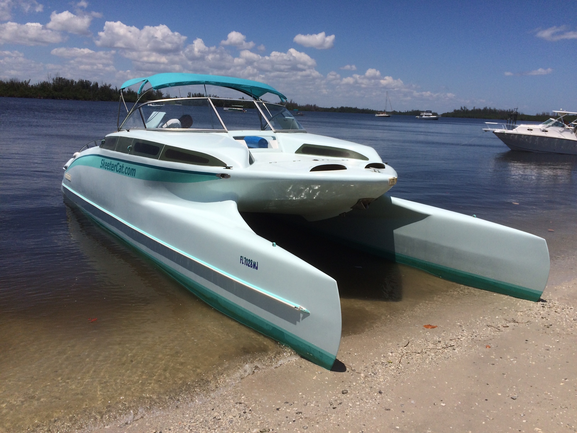 2003 power catamaran 33 ft. SkeeterCat 33 for sale in Stuart Florida $75,000